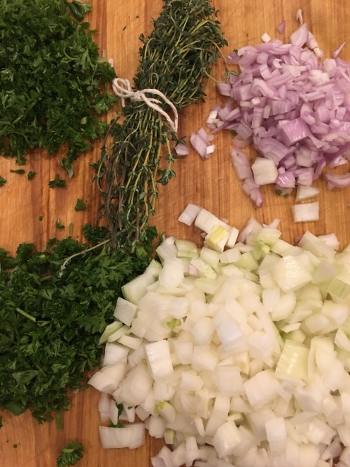 Parsley, Onion, Shallot and a bouquet of thyme